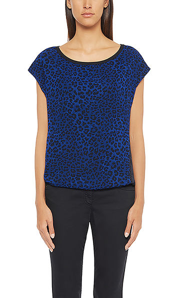 Casual silk top with leopard print