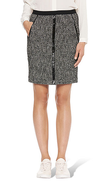 Tweed skirt, details in patent leather