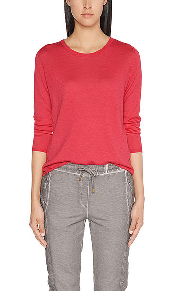 Fine knitted cashmere pullover