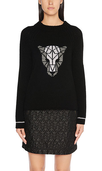Sweater with leopard's head