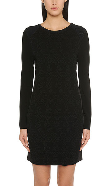Fine knitted dress with inserts