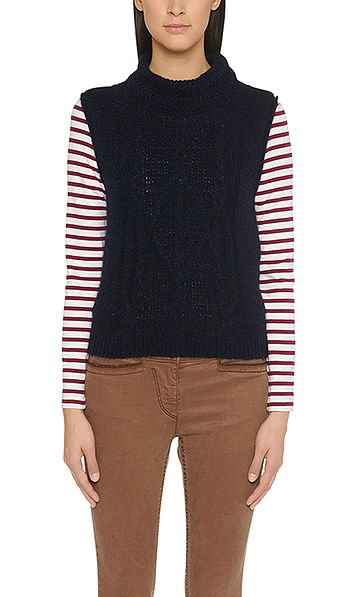 Trendy cable-knit sleeveless pullover