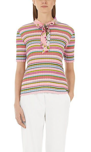 Pullover with pleats