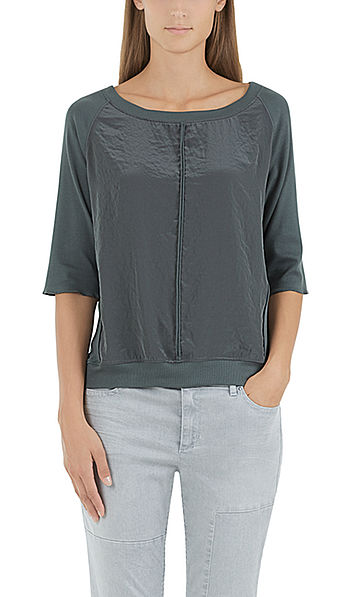 Flowing crew-neck top