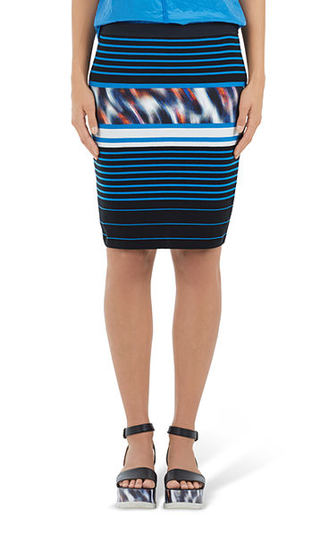 Extravagant stretch skirt