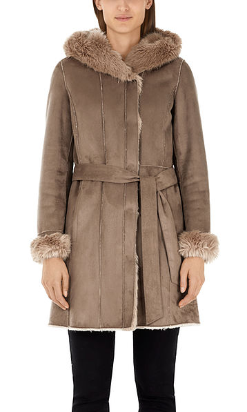 Heerlijk zachte mantel van imitatiebont