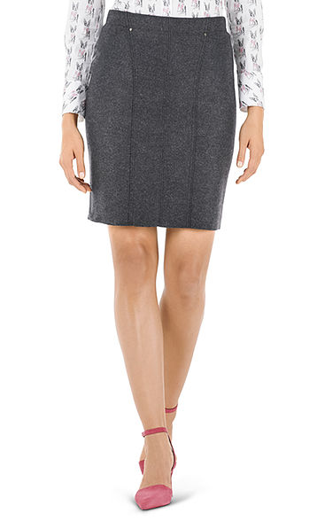 Skirt in pure new wool