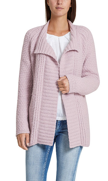 Flauschige Strickjacke