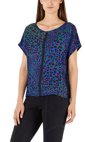 Blouse-style top with silk