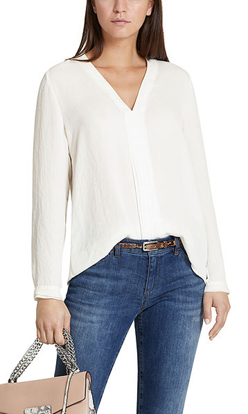 Flowing blouse