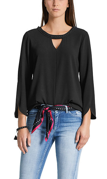 Flowing blouse shirt