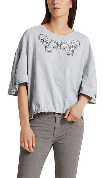 Sweatshirt with bead embroidery