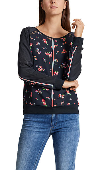 Blouse-style top with rose print