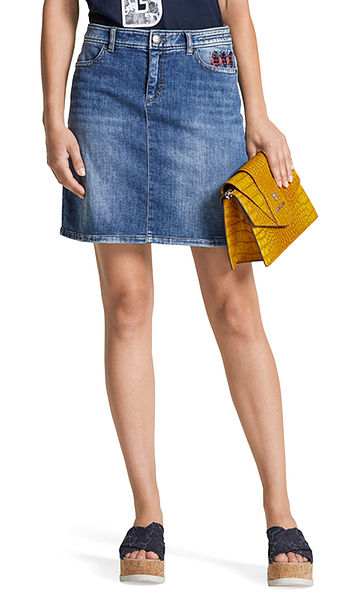 Stretchy jean skirt