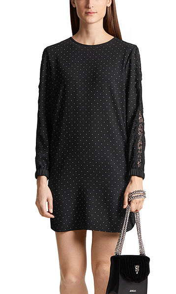 Straightforward dress with polka dots