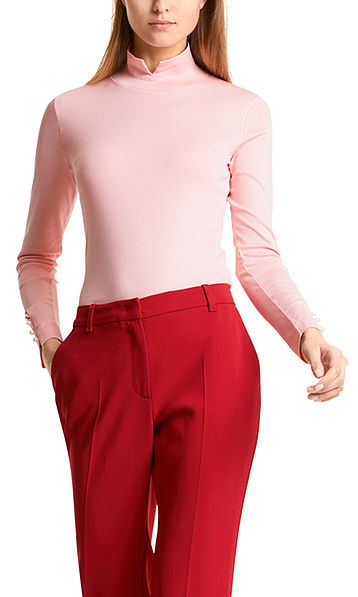 Long-sleeved top with collar
