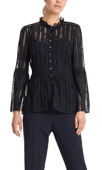 Blouse in silk and lace