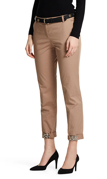 Chinos with leopard details