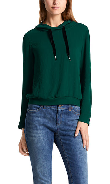 Blouse-style top with velvet bands