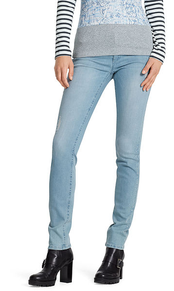 Drainpipe jeans with glittering studs