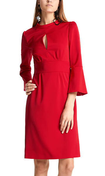 Dress with flounce sleeves