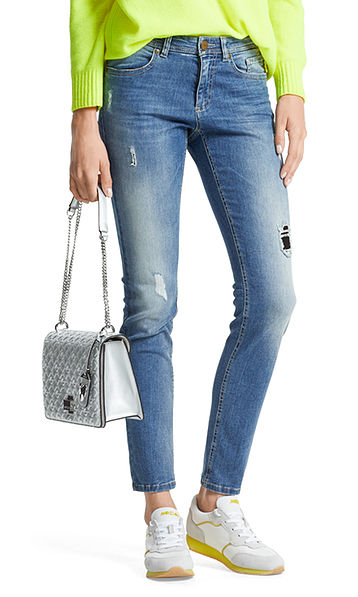 Extra slim jeans in a distressed effect