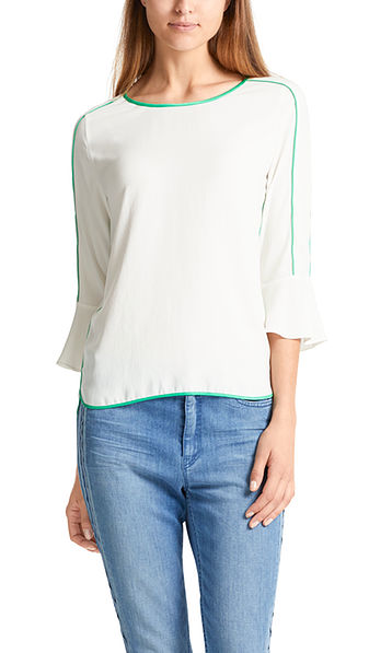 Lightweight blouse-style top