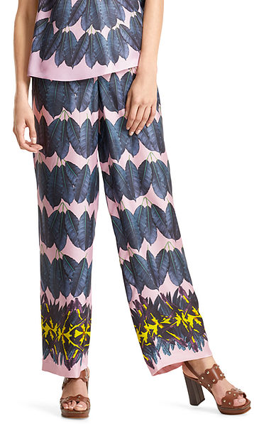 Silk pants with leaf print