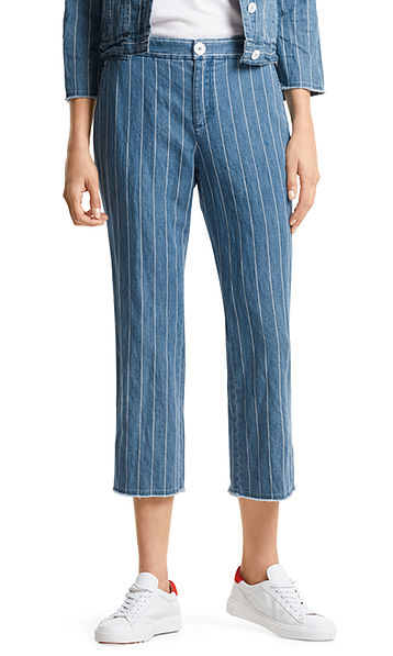 Iets kortere jeanspantalon met strepen