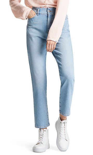 Jeans with wavy waistband