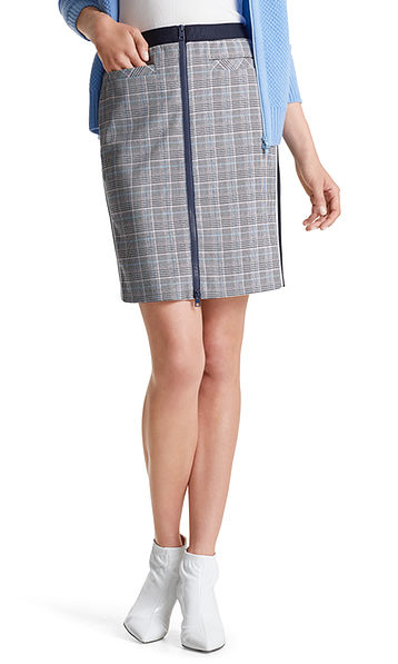 Checked skirt in a material blend