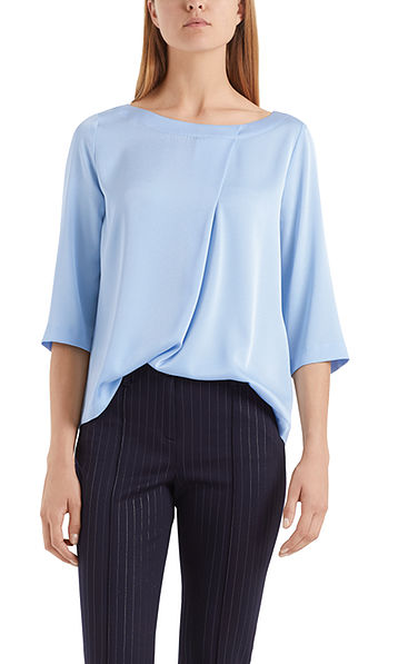 Blouse-style top with decorative pleat