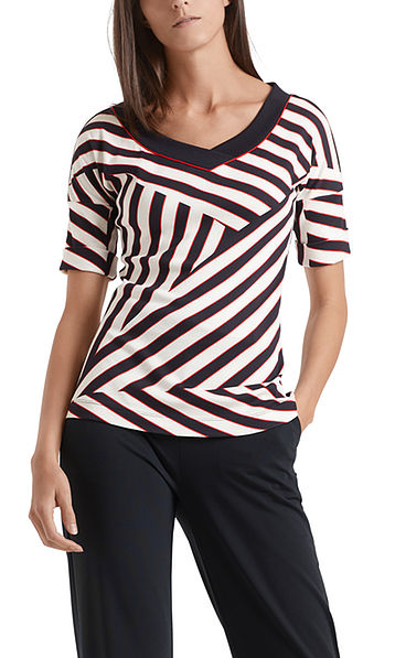 T-shirt with stylish striped design