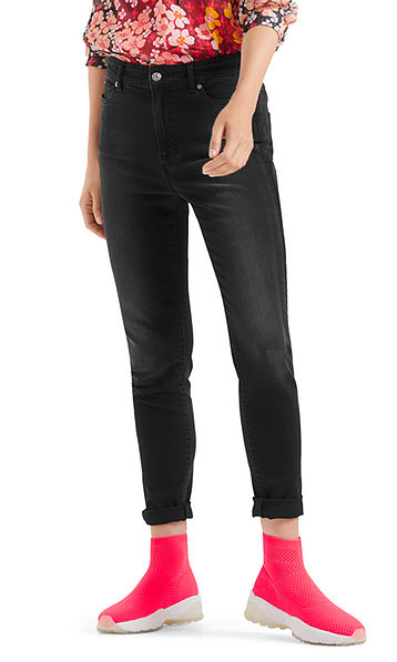 Jeans with high waistband